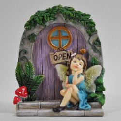 Fairy door (L) Fairy dromend op de trap