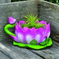 Fairy garden huis in een lotusbloem