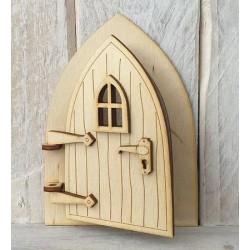Houten opengaande fairy deur met klink